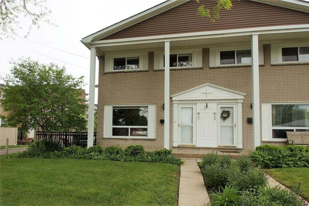Townhouse for sale at 27 Woodman Dr S Hamilton Ontario - MLS: H4079385
