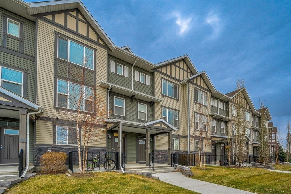 Townhouse for sale at 270 New Brighton Wk Southeast Calgary Alberta - MLS: A1048636