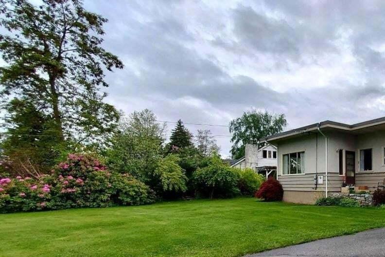 House for sale at 2700 Columbia Avenue  Castlegar British Columbia - MLS: 2452173