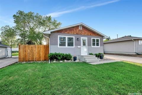 House for sale at 2701 4th Ave E Prince Albert Saskatchewan - MLS: SK799813