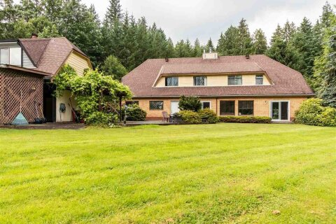 House for sale at 27020 Dewdney Trunk Rd Maple Ridge British Columbia - MLS: R2474853