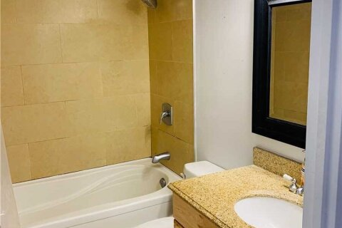 Apartment for rent at 260 Queens Quay Unit 2703 Toronto Ontario - MLS: C5057169