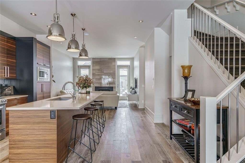 Townhouse for sale at 2703 Cochrane Rd NW Banff Trail, Calgary Alberta - MLS: C4291279