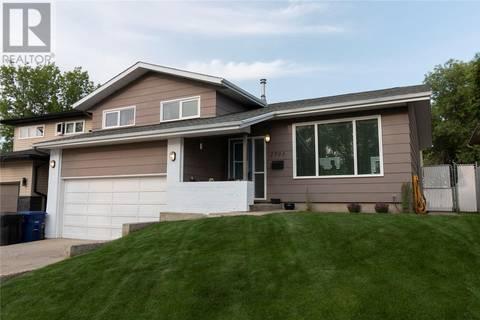 House for sale at 2703 Eastview  Saskatoon Saskatchewan - MLS: SK778197