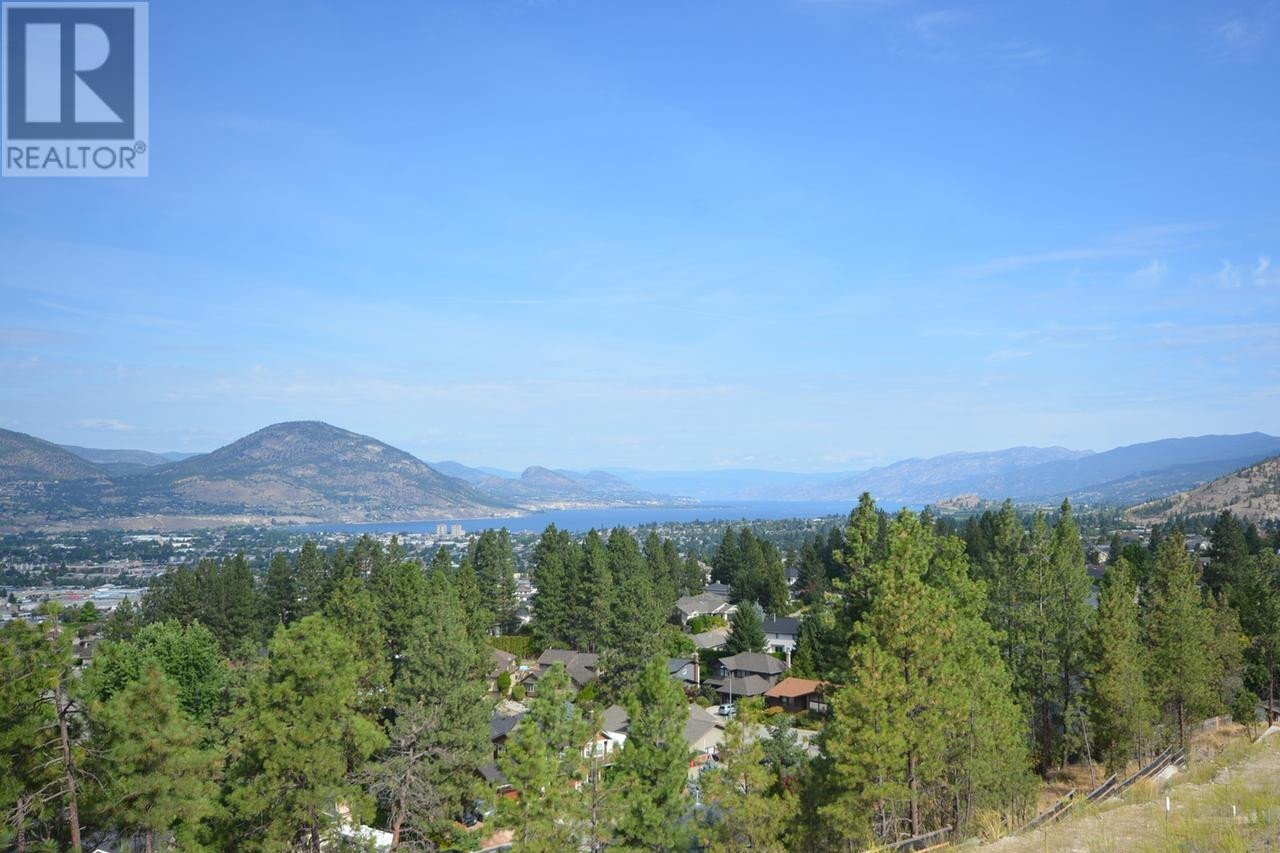 Home for sale at 2703 Hawthorn Dr Penticton British Columbia - MLS: 180040