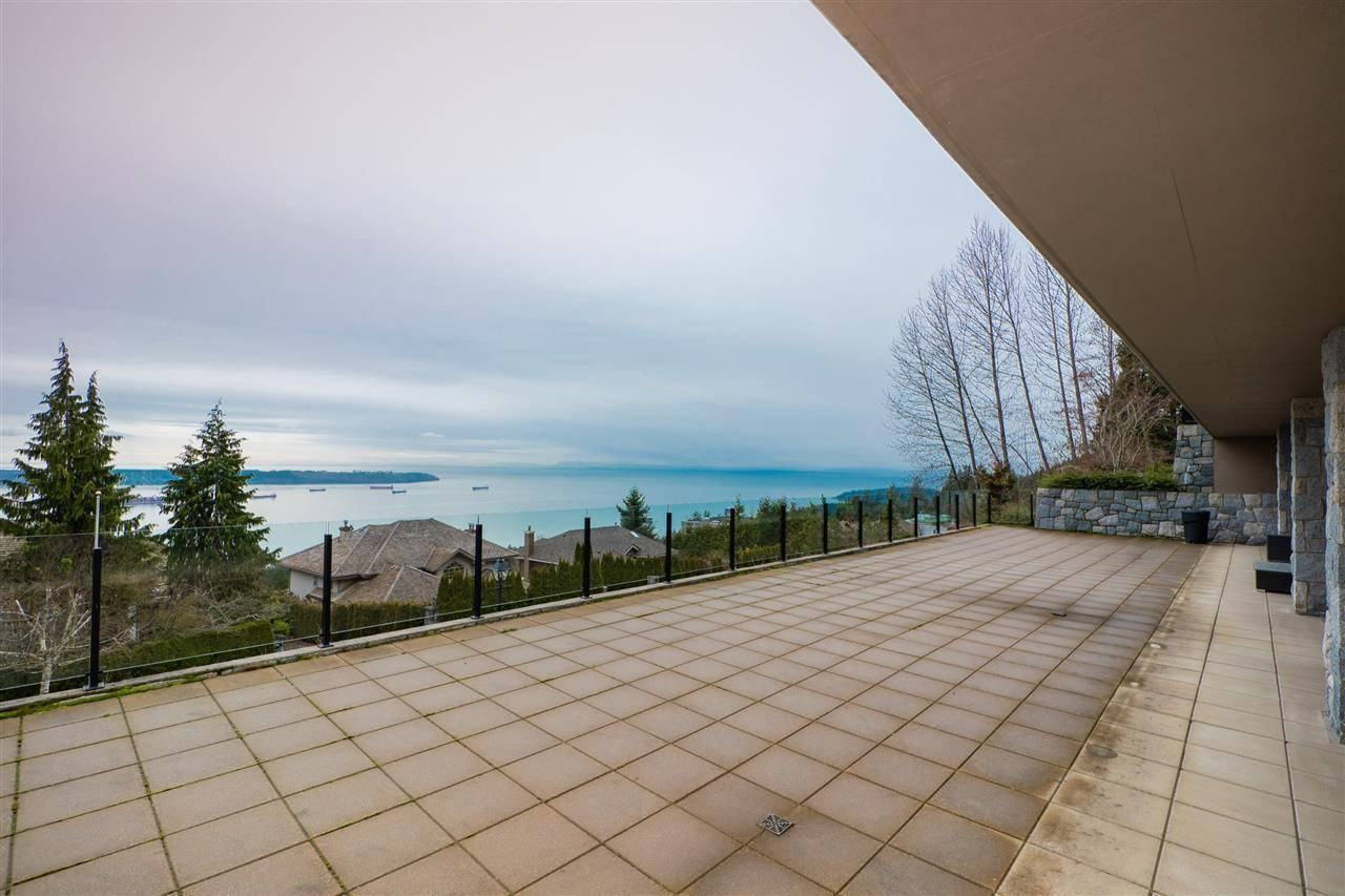 House for rent at 2705 Highview Place  West Vancouver British Columbia - MLS: R2444862