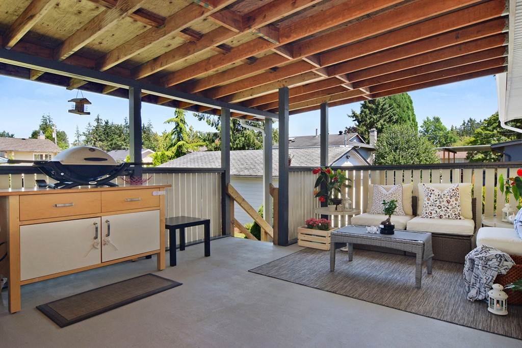 For Sale: 27053 28a Avenue, Langley, BC   4 Bed, 3 Bath House for $849,500. See 20 photos!