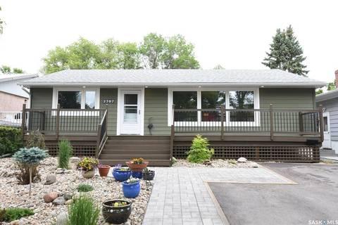 House for sale at 2707 Quinn Dr Regina Saskatchewan - MLS: SK777516