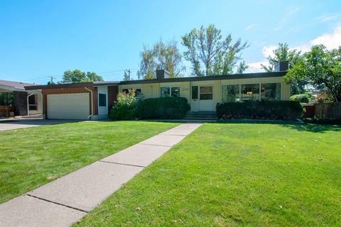 House for sale at 2708 South Parkside Dr S Lethbridge Alberta - MLS: LD0177778
