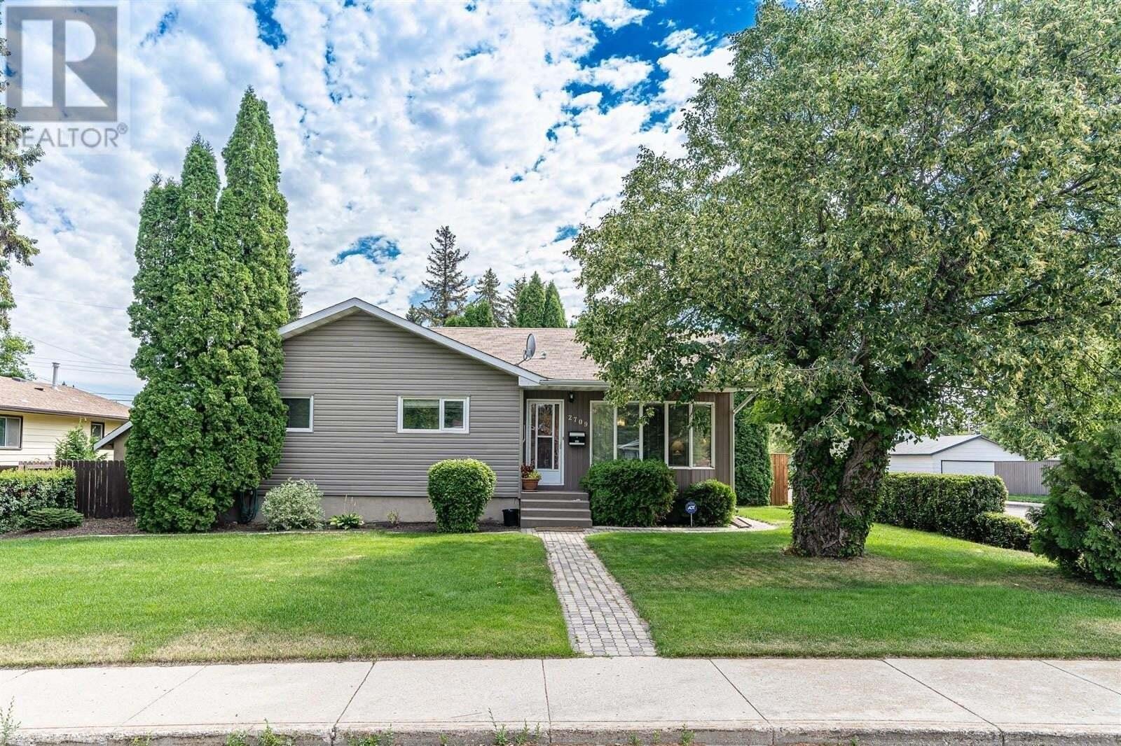 House for sale at 2709 Cumberland Ave S Saskatoon Saskatchewan - MLS: SK821487
