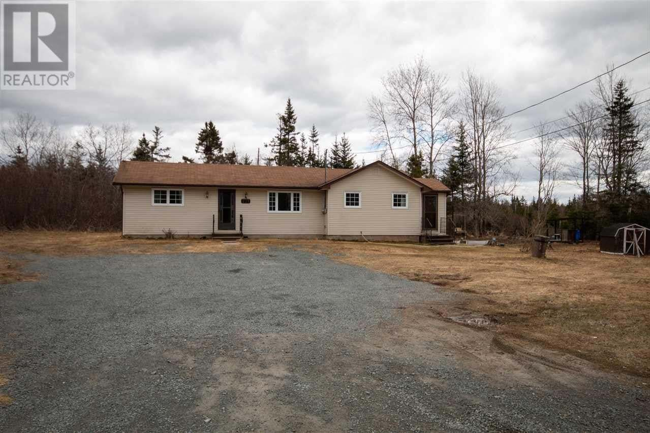 House for sale at 271 East Uniacke Rd East Mount Uniacke Nova Scotia - MLS: 202006250