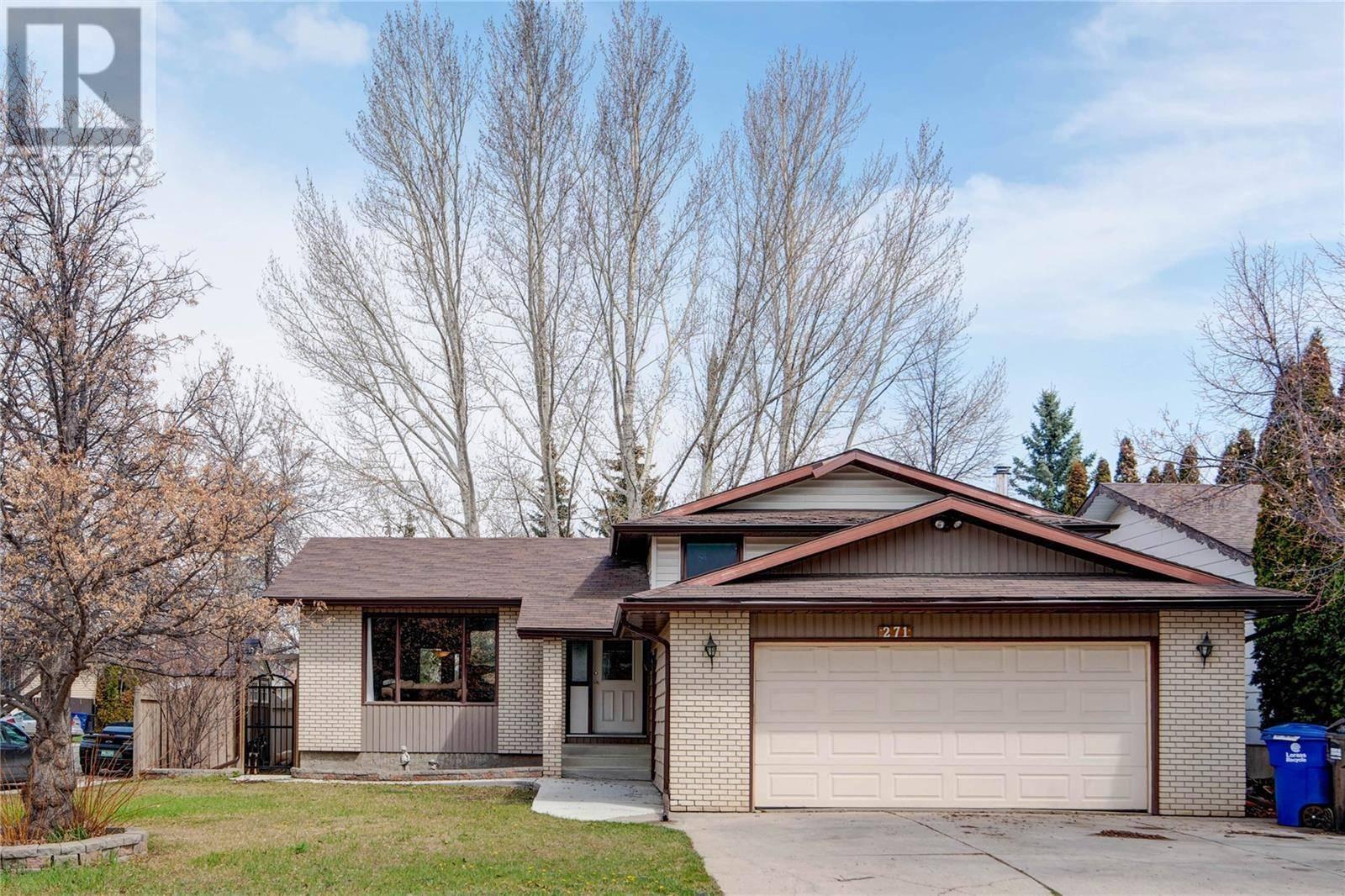 House for sale at 271 Girgulis Ct Saskatoon Saskatchewan - MLS: SK783040