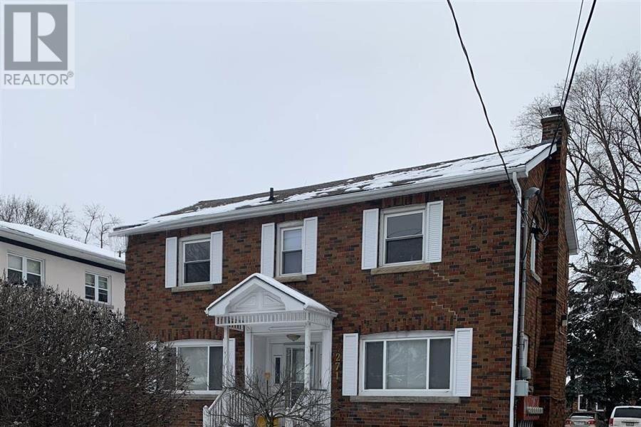 Townhouse for sale at 271 Helen St Kingston Ontario - MLS: K20004275