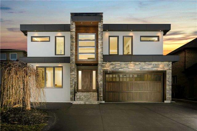 For Sale: 271 River Oaks Boulevard, Oakville, ON | 4 Bed, 6 Bath House for $1,674,900. See 20 photos!
