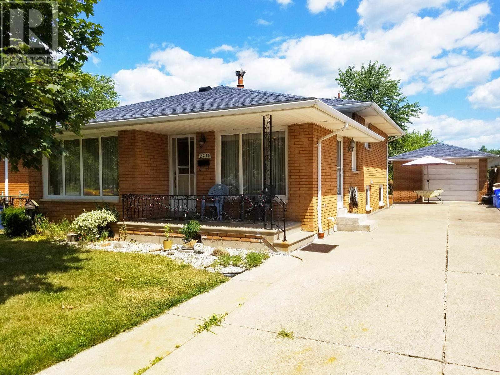 House for sale at 2714 Rivard  Windsor Ontario - MLS: 19023380