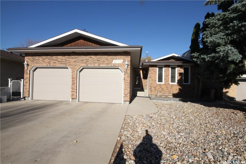 For Sale: 2715 Silverman Bay East, Regina, SK   3 Bed, 3 Bath House for $349,900. See 38 photos!