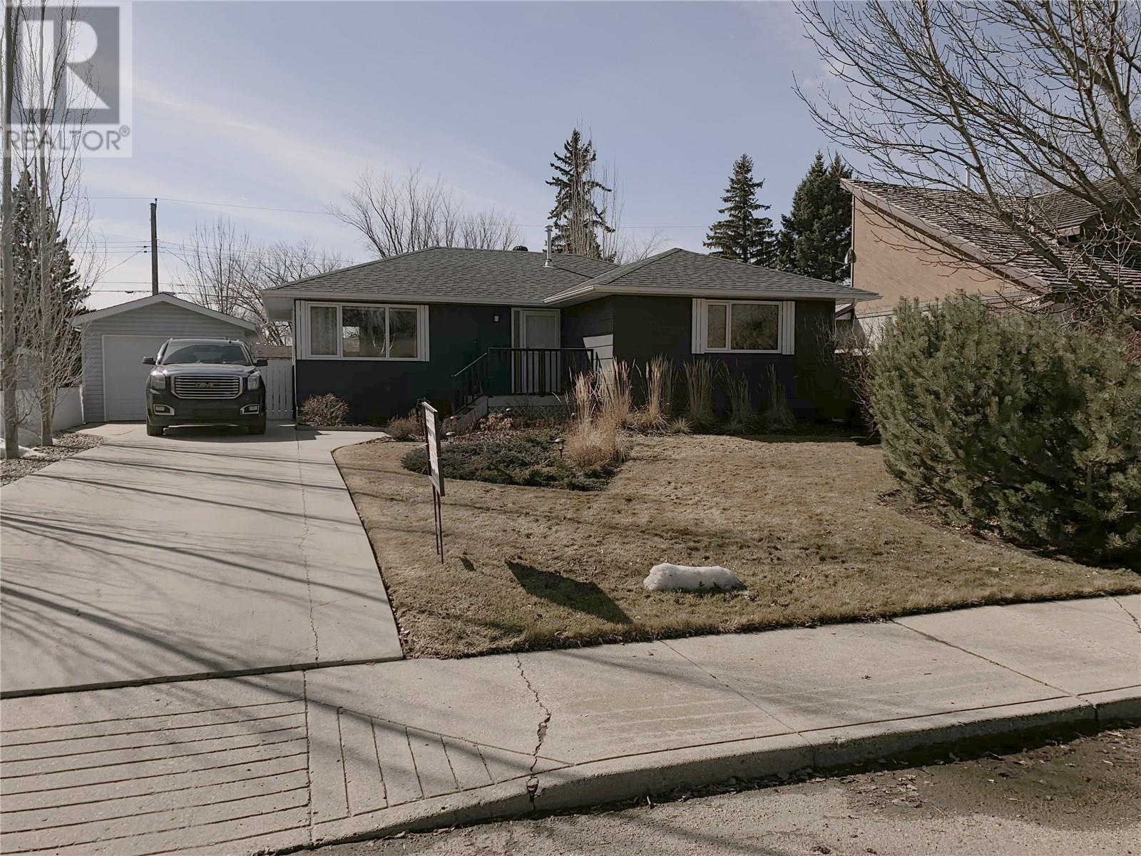 Removed: 2716 Mcconnell Avenue, Saskatoon, SK - Removed on 2019-06-08 07:18:31