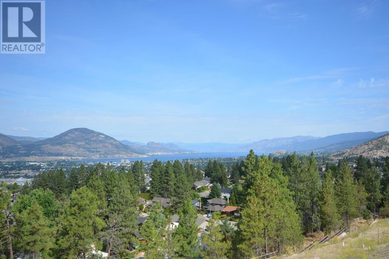 Residential property for sale at 2719 Hawthorn Dr Penticton British Columbia - MLS: 180033