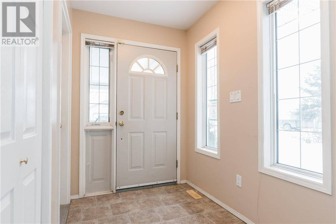 272 Bussieres Drive, Fort Mcmurray | Image 2