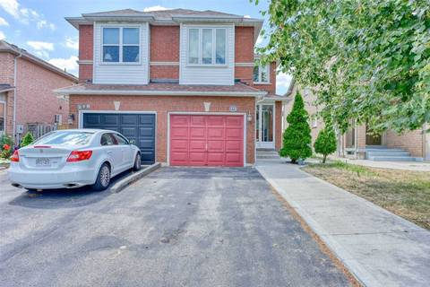 Townhouse for sale at 272 Pressed Brick Dr Brampton Ontario - MLS: W4545419