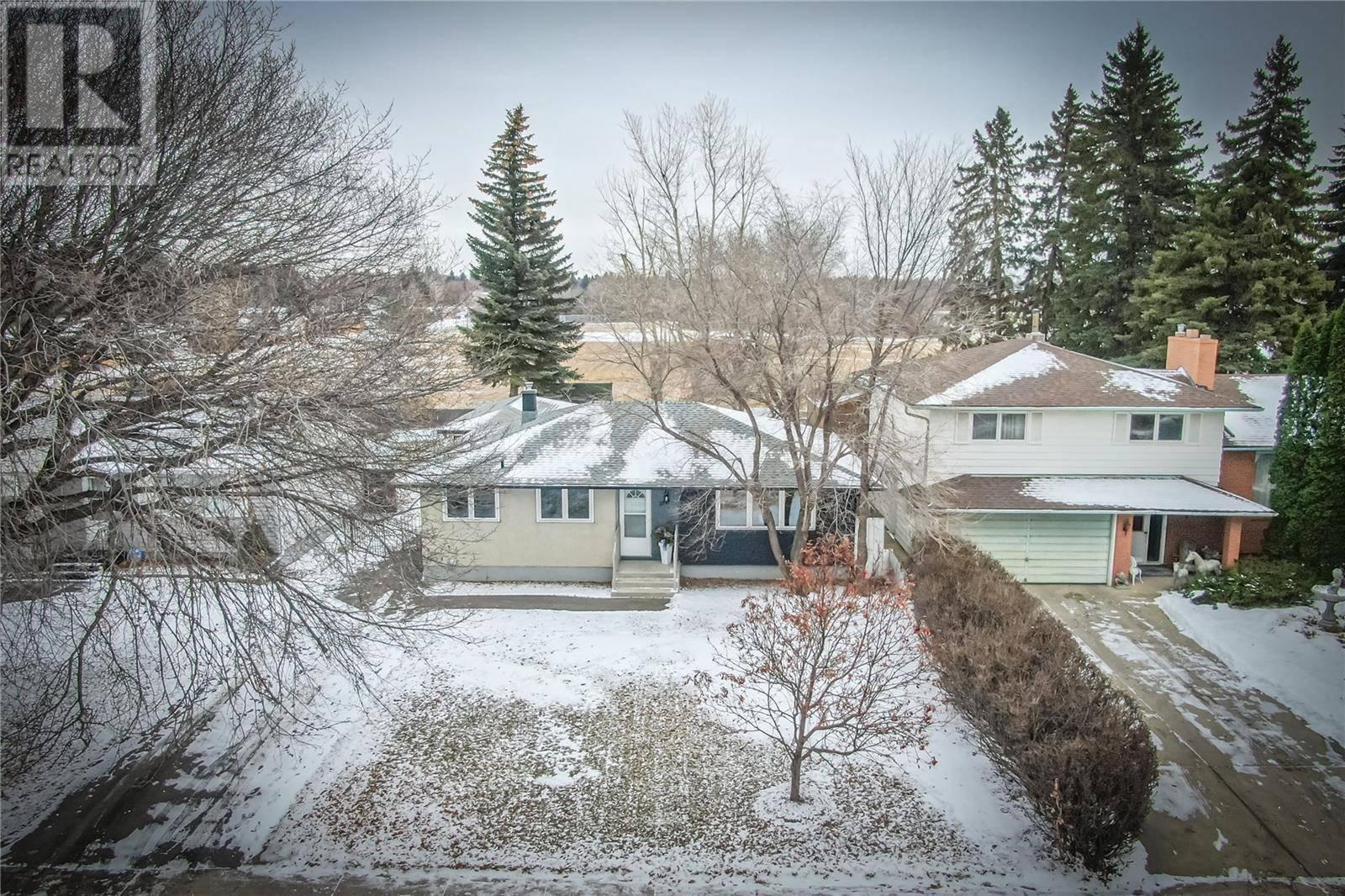 2721 Preston Avenue S, Saskatoon   Image 1
