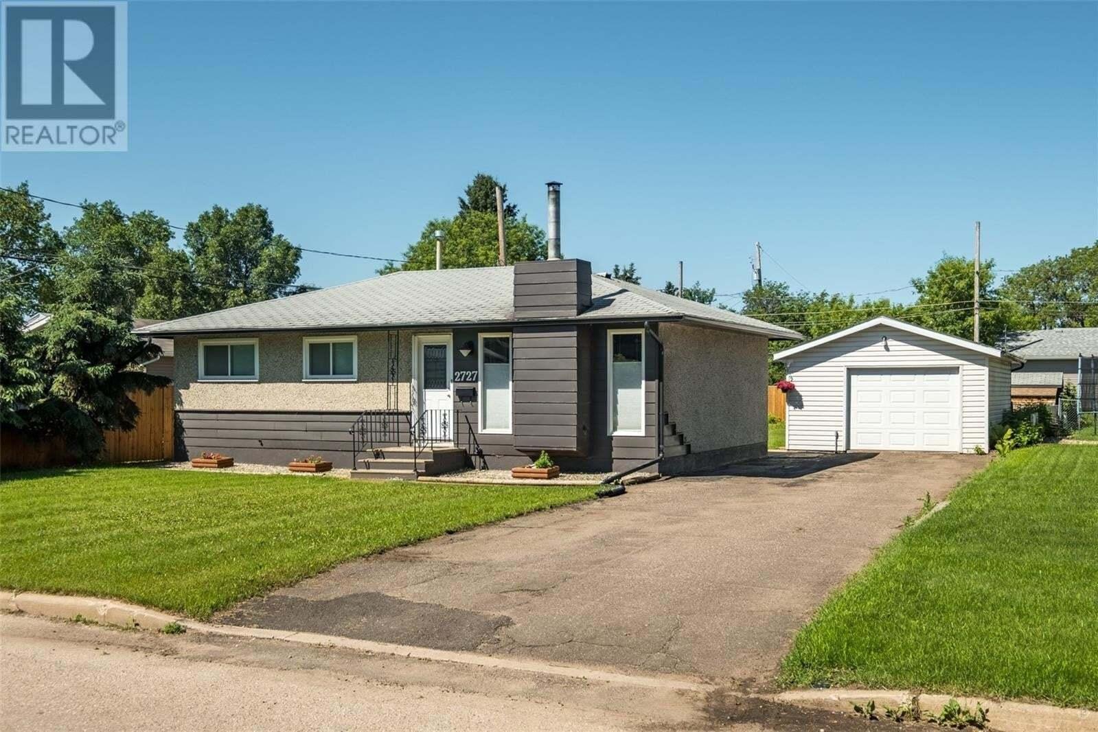 House for sale at 2727 4th Ave E Prince Albert Saskatchewan - MLS: SK815175
