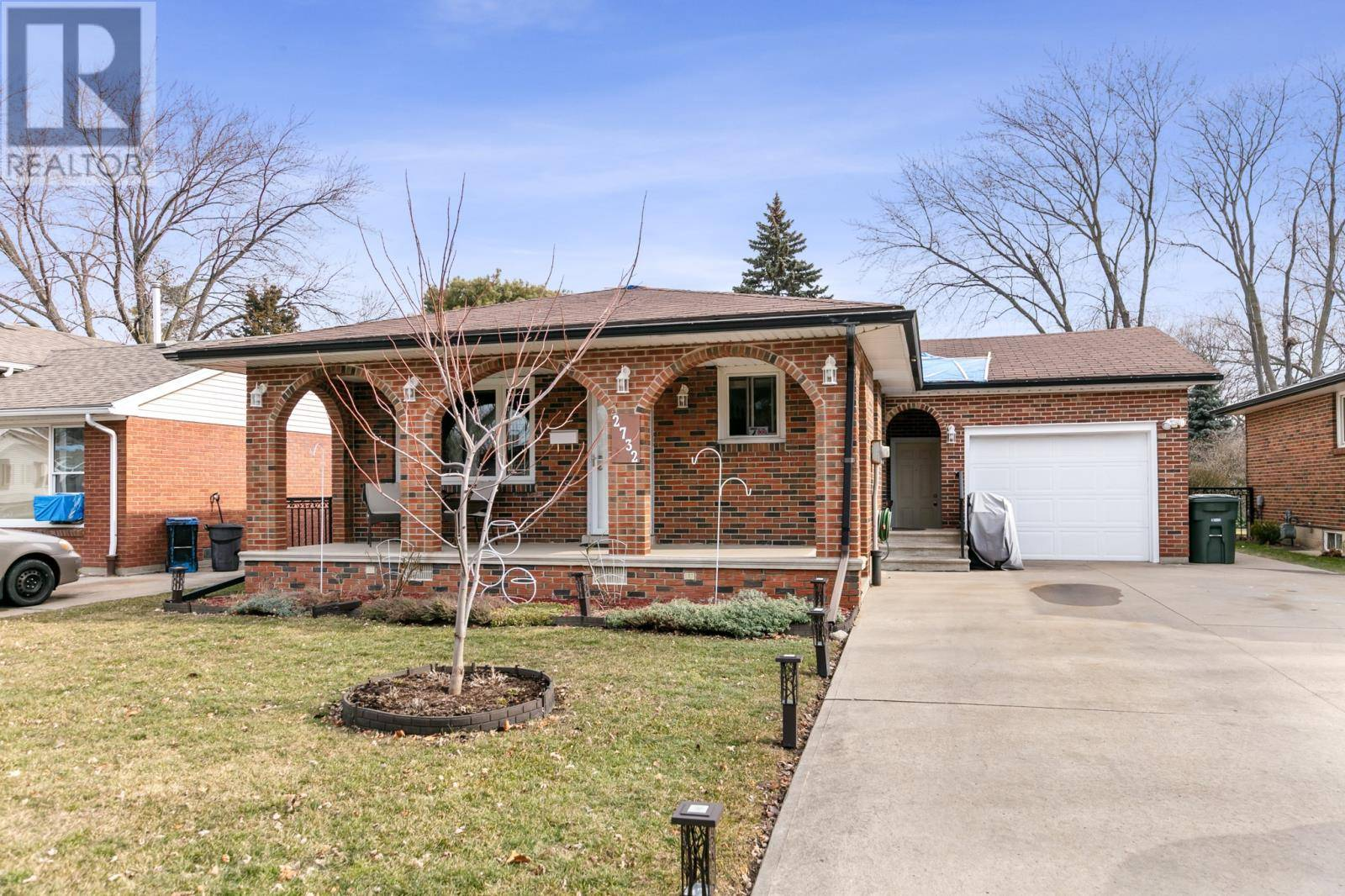 House for sale at 2732 Armstrong  Windsor Ontario - MLS: 20002328