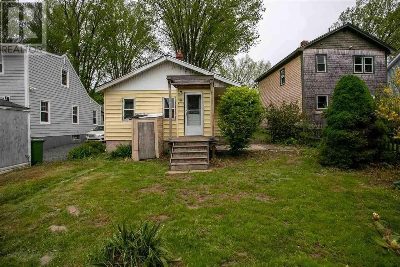 House for sale at 2734 Swaine St Halifax Nova Scotia - MLS: 202003427