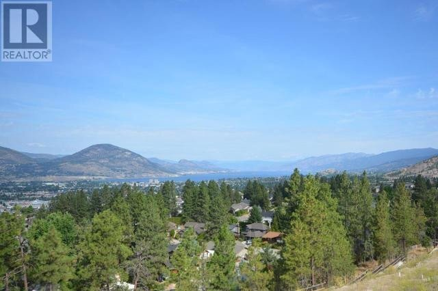 Home for sale at 2735 Hawthorn Dr Penticton British Columbia - MLS: 180027