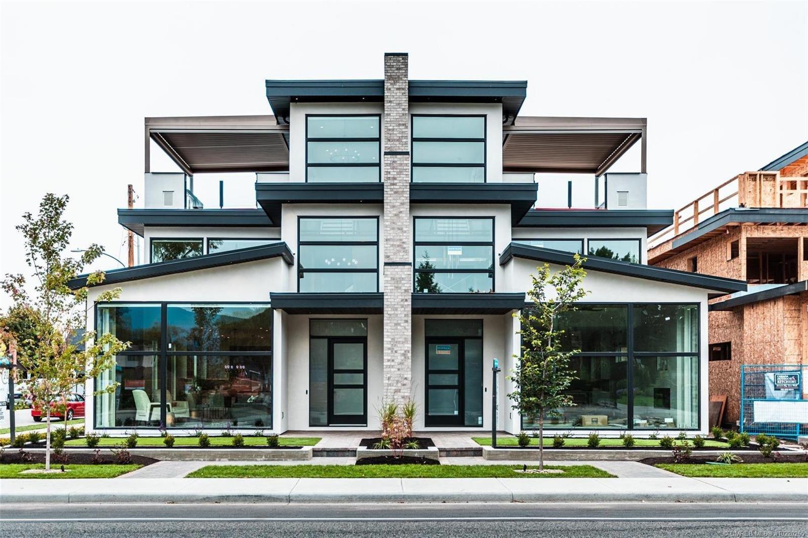Townhouse for sale at 2745 Abbott St Kelowna British Columbia - MLS: 10220265