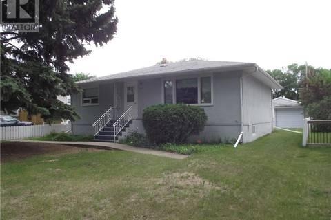 House for sale at 2745 Mackay St Regina Saskatchewan - MLS: SK772845