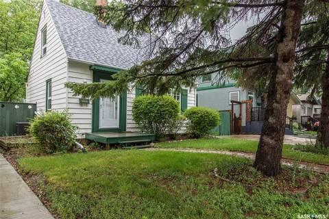 House for sale at 2746 Edgar St Regina Saskatchewan - MLS: SK777838
