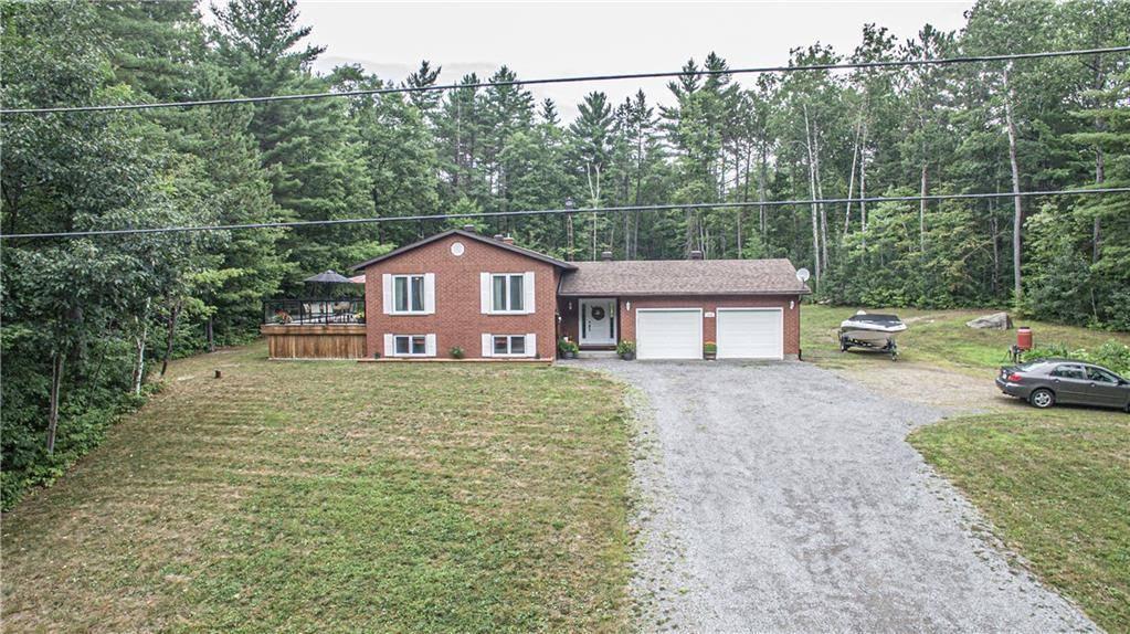 House for sale at 276 Shamess Rd Petawawa Ontario - MLS: 1164654