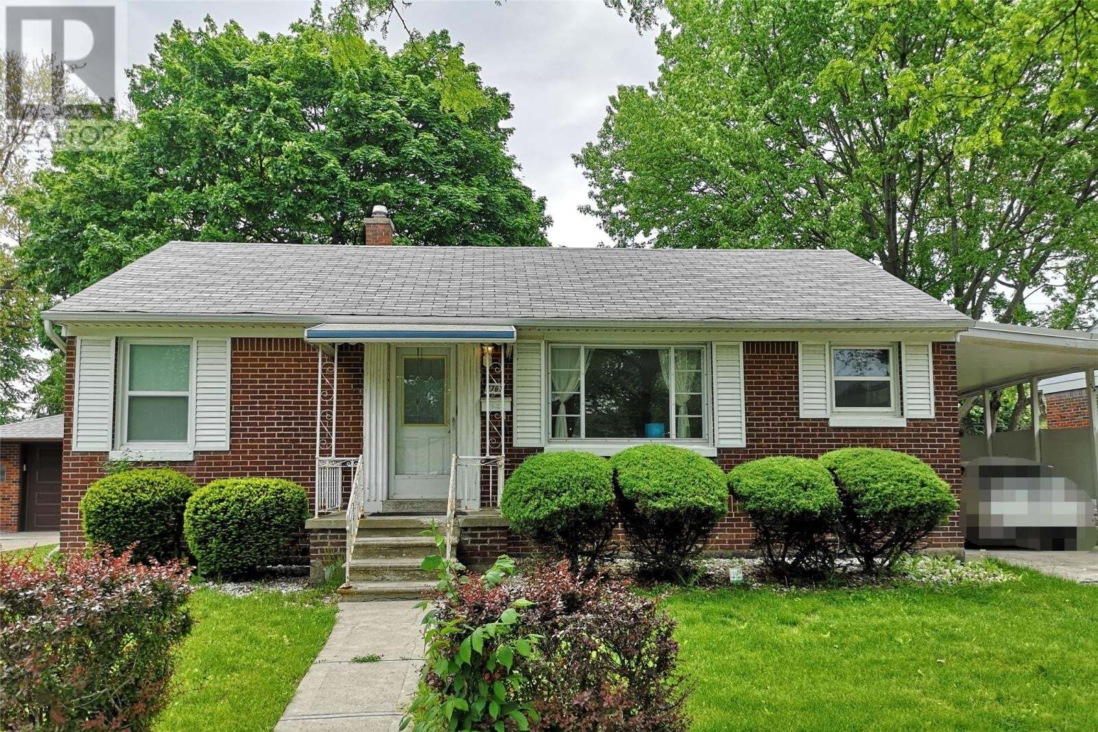 House for sale at 2761 Dominion Blvd Windsor Ontario - MLS: 20006404