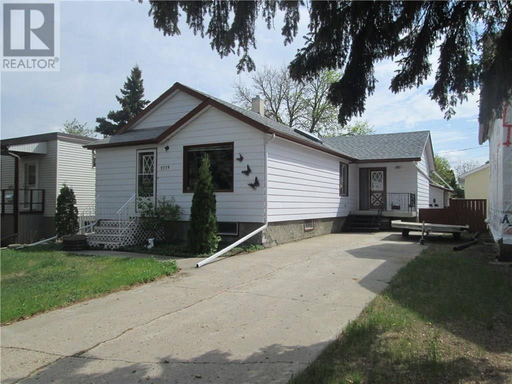 House for sale at 2773 Broder St Regina Saskatchewan - MLS: SK772587