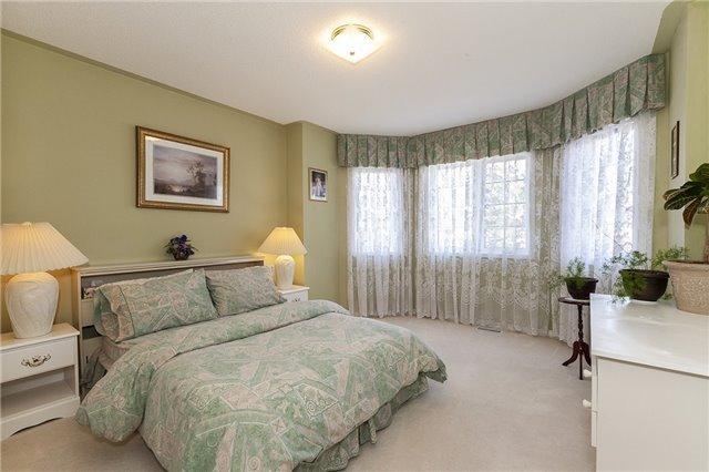 For Sale: 278 Cossack Court, Mississauga, ON   5 Bed, 4 Bath House for $1,188,000. See 20 photos!