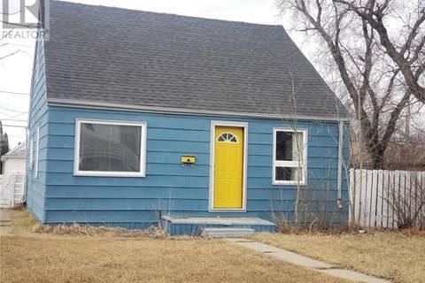 House for sale at 278 Coteau St W Moose Jaw Saskatchewan - MLS: SK804897