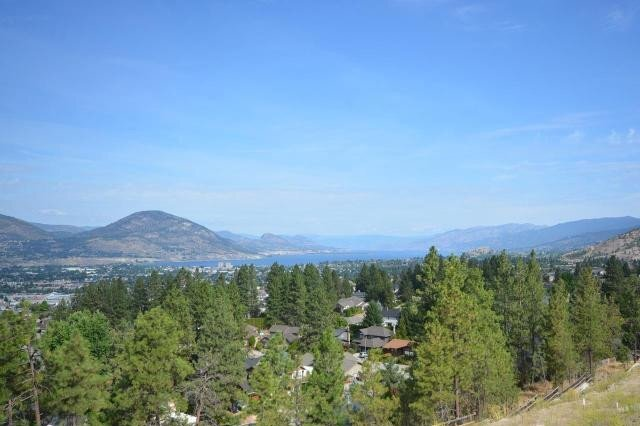 Residential property for sale at 2783 Hawthorn Dr Penticton British Columbia - MLS: 180024