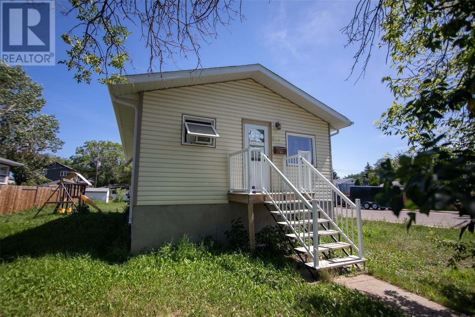 House for sale at 279 Halifax St Regina Saskatchewan - MLS: SK819740
