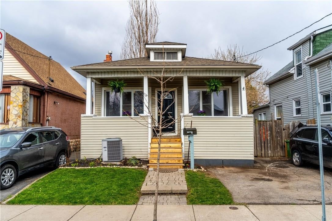 House for sale at 279 Tragina Ave N Hamilton Ontario - MLS: H4078930