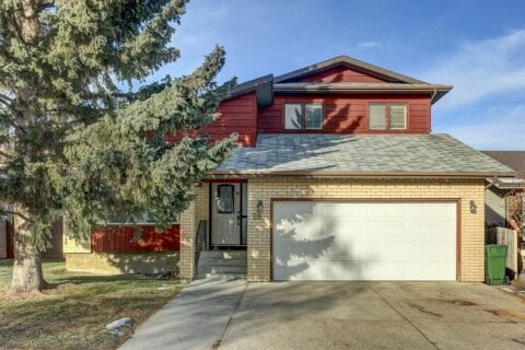 House for sale at 28 Sandstone Wy NW Calgary Alberta - MLS: A1051981