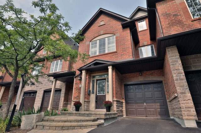 For Sale: 28 - 300 Ravineview Way, Oakville, ON   3 Bed, 4 Bath Townhouse for $948,000. See 20 photos!
