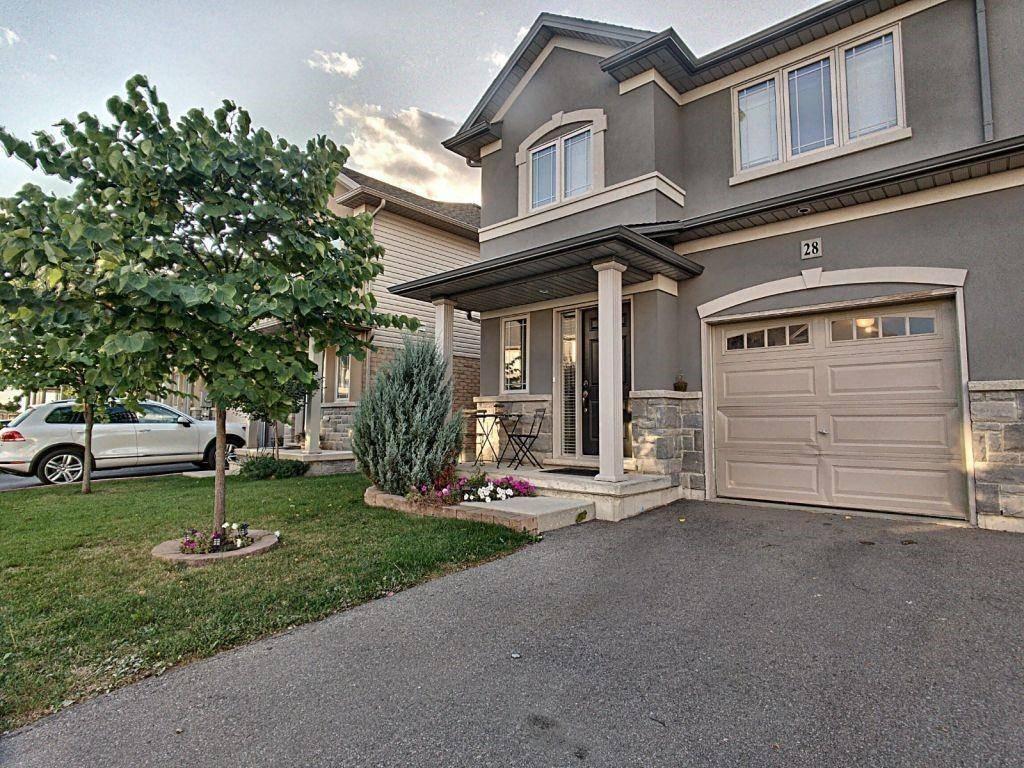 Townhouse for sale at 615 Rymal Rd E Unit 28 Hamilton Ontario - MLS: H4065190