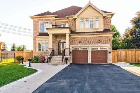 House for sale at 28 Ayrshire Ct Brampton Ontario - MLS: W4808350