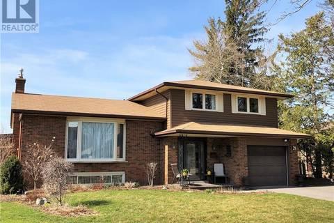 House for sale at 28 Bishop Ct Kitchener Ontario - MLS: 30727743