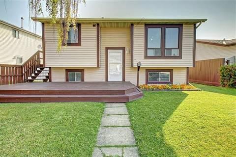 House for sale at 28 Castlebrook Ri Northeast Calgary Alberta - MLS: C4258431