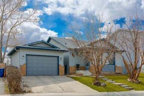 House for sale at 28 Castleglen Cres Northeast Calgary Alberta - MLS: C4294713