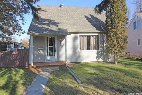 House for sale at 28 Cecil Cres Regina Saskatchewan - MLS: SK789744