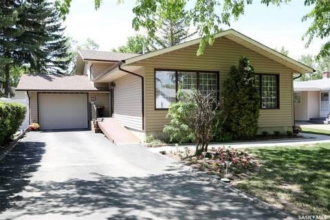House for sale at 28 Champ Cres Regina Saskatchewan - MLS: SK784423