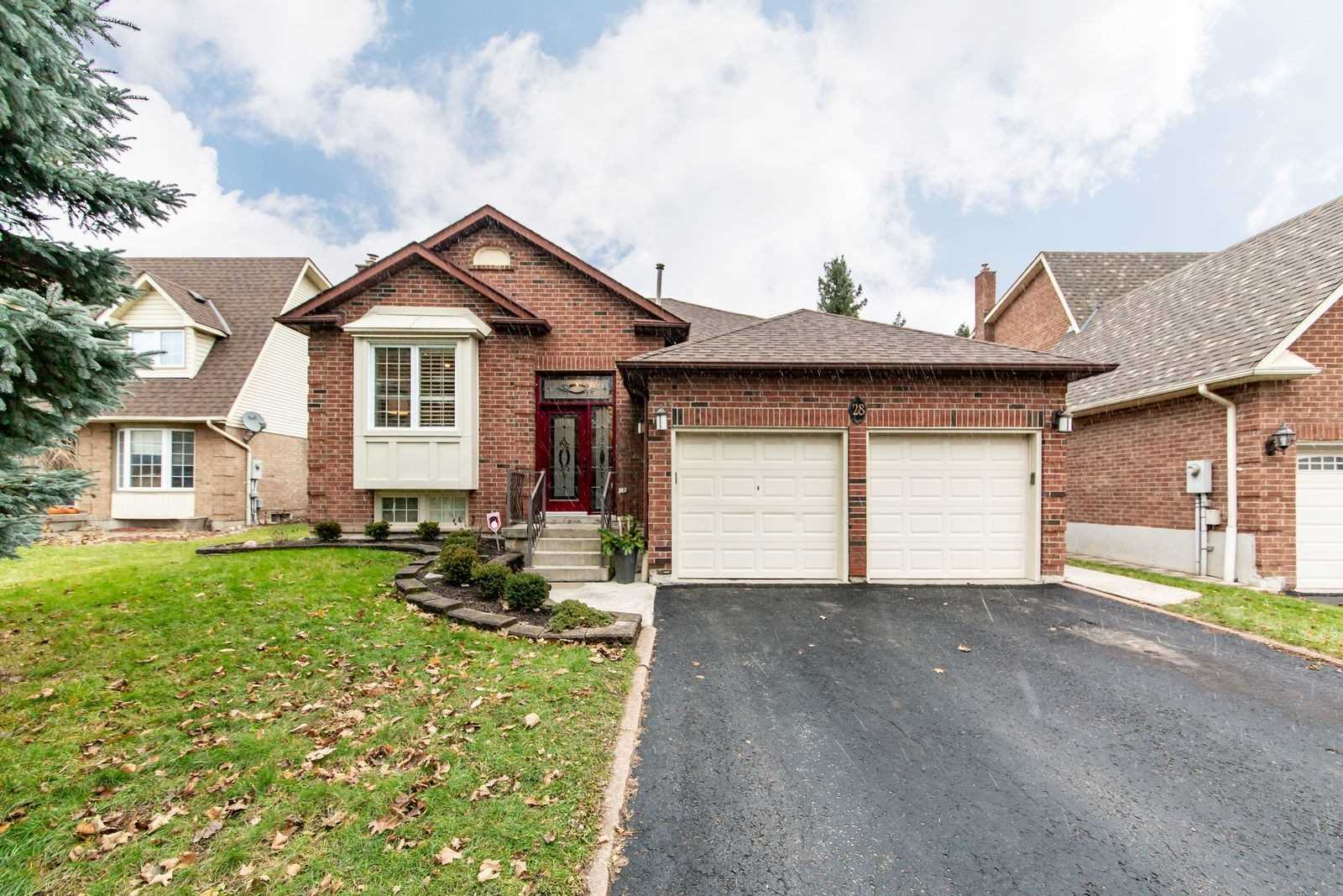 House for sale at 28 Chatsworth Crescent Whitby Ontario - MLS: E4314079
